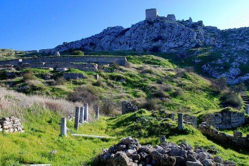Крепость Акрокоринф использовалась с древнейших времен вплоть до XIX века