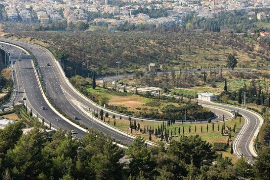 Дорога от Афин до Коринфа считается самой безопасной