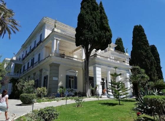 Дворец Ахиллион на Корфу