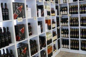 Виноделие и продажа вина уже давно стали на Санторини прибыльным бизнесом
