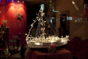 Корабль в Греции такой же символ Рождества, как и ель
