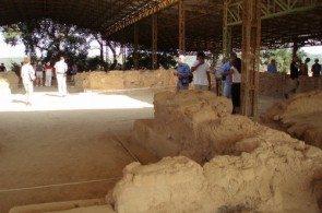 Пилос был одним из главных центров Микенской цивилизации, но от Дворца Нестора мало что сохранилось