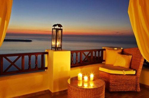 Art Maisons Aspaki-Oia Castle является одним из наиболее романтичных отелей не только на Санторини, а и во всей Европе