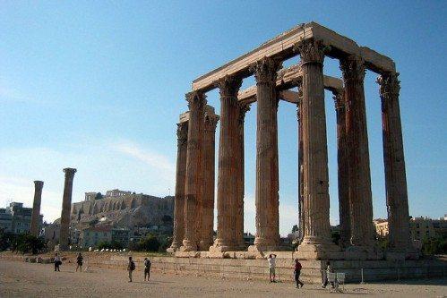 Олимпейон также является одной из старейших достопримечательностей Афин