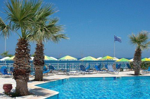 В июне на Крите сложно найти свободное место на пляже