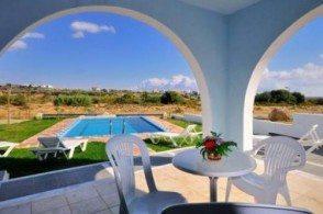 Гостиничный комплекс 12 Islands - это несколько вилл с меблированными террасами для отдыха или балконами с видом на море или сад