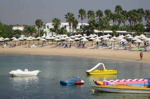 Пляж Макрониссос - один из лучших на Кипре