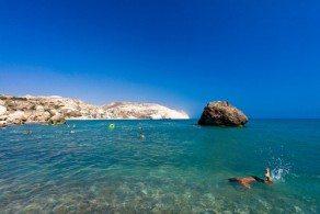 Погода на Кипре в июне уже совсем летняя – воздух  прогревается до +26С +28С , а температура воды в море от +20С в начале месяца до +24С к концу июня