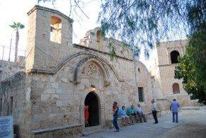Старинный монастырь, построенный венецианцами в XVI веке на месте древней христианской церкви - главная достопримечательность курорта Айя Напа