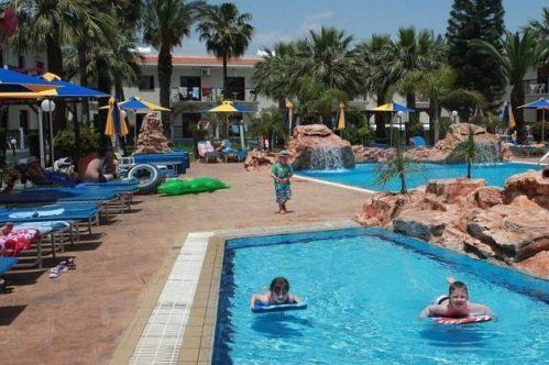 Лучшие отели Айя-Напы