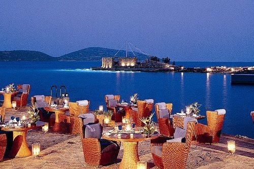 В Элунде присутствуют отели на любой вкус и кошелек