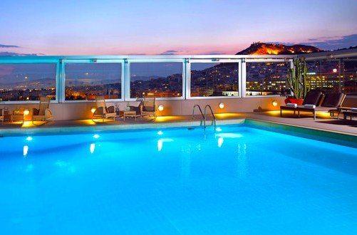 Роскошный вид и бассейн отеля не оставят равнодушным никого