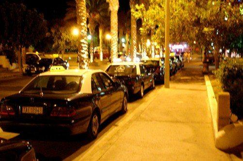Парковка такси возле аэропорта Родос