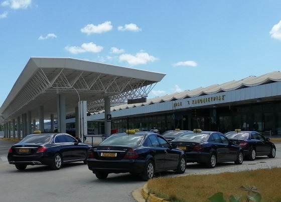 Такси из аэропорта до Корфу