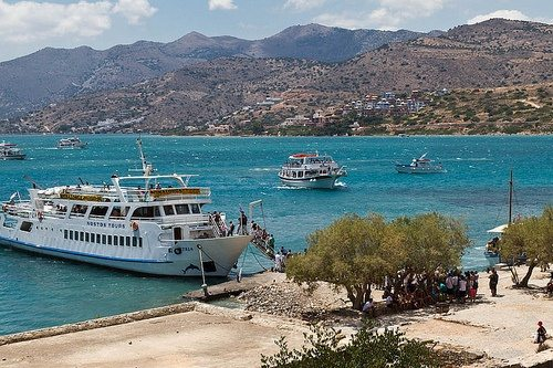 Спиналонга на Крите: прибытие туристов на остров