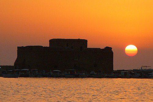 Закат в порту Като Пафос