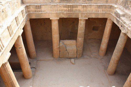 Древние гробницы Пафоса на Крите