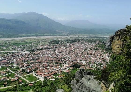Вид на Каламбаку из монастырей