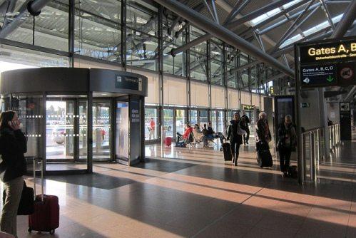 Терминал аэропорта на острове Закинф