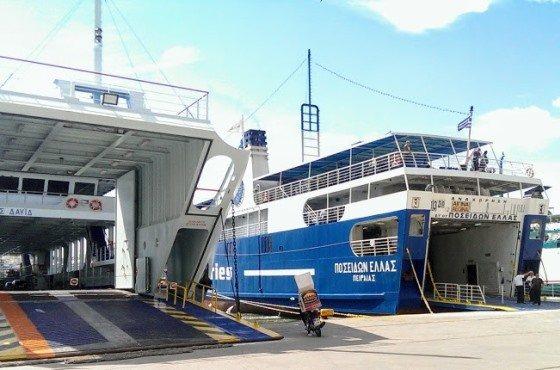Корабли в порту Пирей