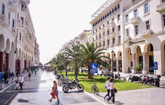 Паралия Катерини находится недалеко от Олимпа и Салоник