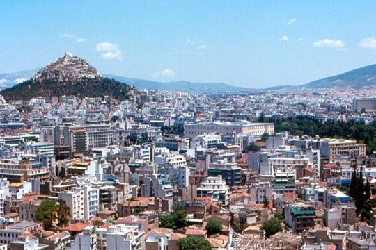 С холма Ликавитос открываются прекрасные виды на Афины