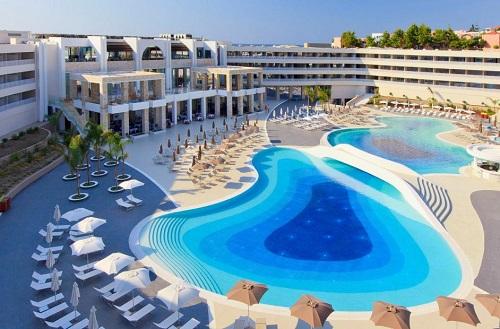 Большинство услуг в отеле Princess Andriana предоставляется гостям бесплатно