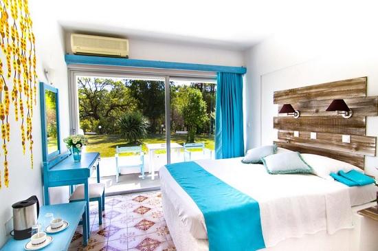 Pine Trees Art Hotel – бюджетный отель с оригинальным дизайном