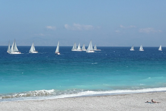 Ветреная погода в Иксии создает все условия для занятия парусным спортом и серфингом