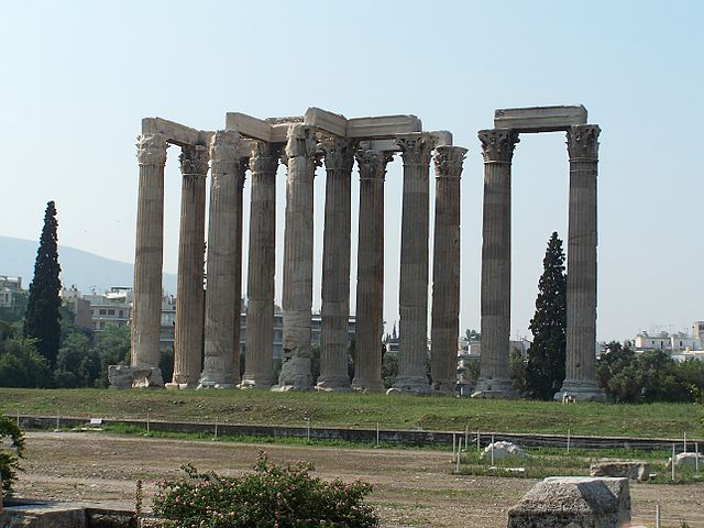 Храм Зевса Олимпийского в Афинах – самый большой храм Греции