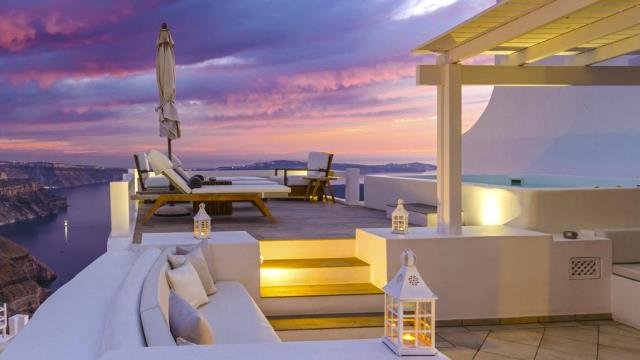 Отель Aqua Luxury Suites Santorini