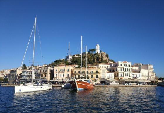 Остров Порос из Афин