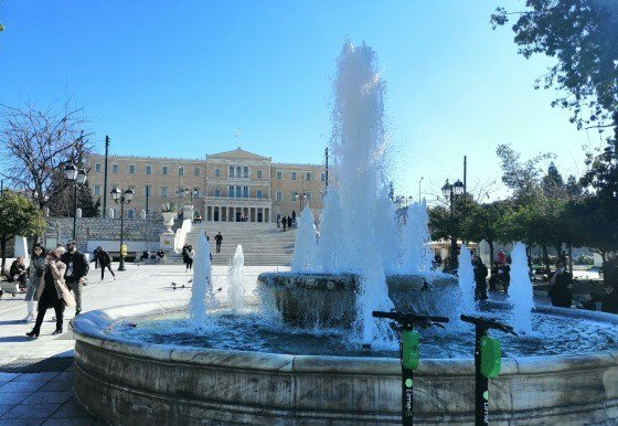 Площадь Синтагма в центре Афин
