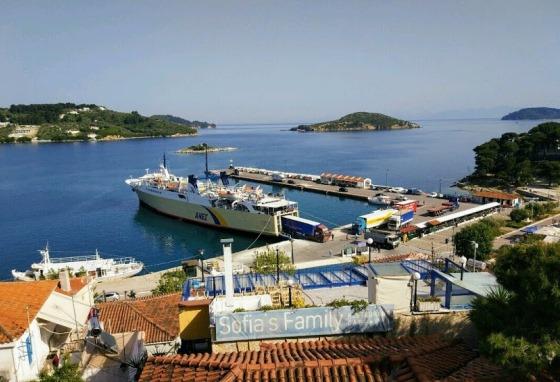 Порт острова Скиатос