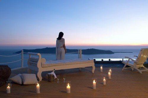 Романтику на Санторини можно найти почти на каждом шагу