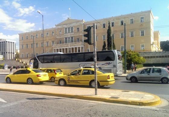 От греческого парламента до Акрополя вполне можно дойти пешком