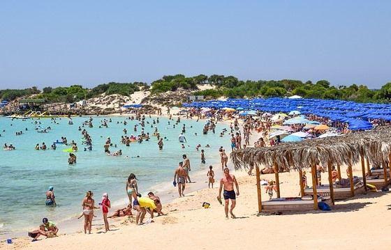 Пляж Макрониссос Айя Напа