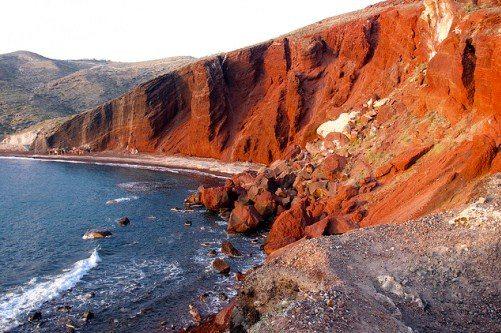 Красный пляж - один из самых известных на Санторини