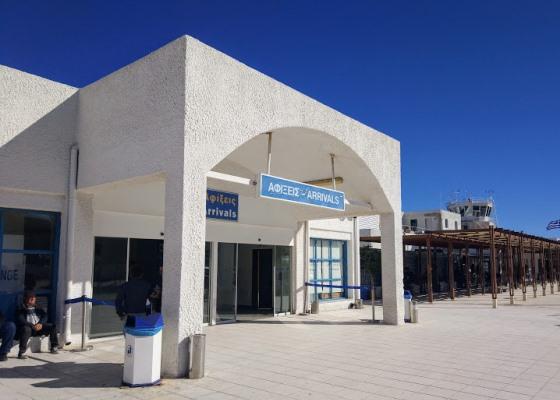 Аэропорт Санторини небольшой, но функциональный