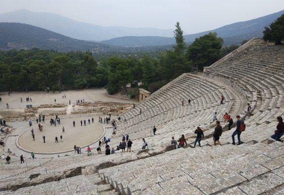Античный театр на Пелопоннесе