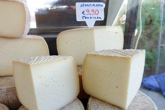 Греческий сыр Гравиера