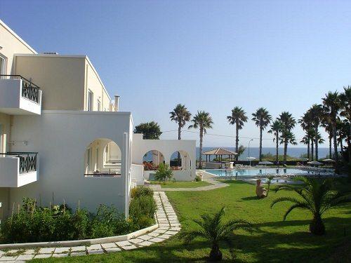 Andromeda Hotel Apartments - уютный трехзвездочный отель рядом с морем