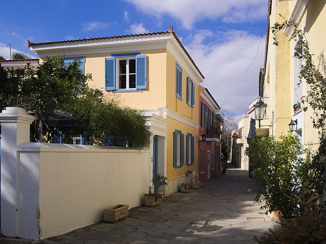 Плака, несмотря на свой современный вид, является старейшим районом Афин