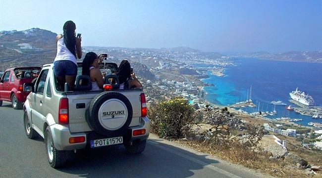 По острову Миконос на авто