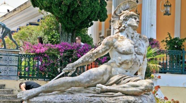 Умирающий Ахилл, статуя.