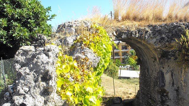 Античные руины на Корфу