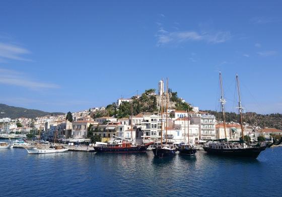 Остров Порос - один из ближайших к Афинам